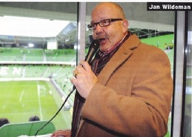 FC en Office Centre verrassen stadionspeaker Jan Wildeman